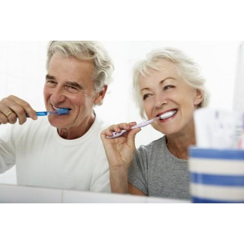 Brossage des dents et entretien de vos prothèses dentaires.